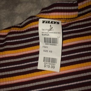 Tillys mock neck crop top